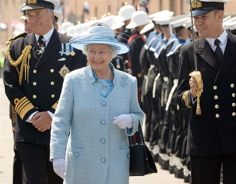 HM Queen arrived at HMS Victory today to inspect a Royal Guard comprised of Royal Navy and Royal Marine personel prior to embarking on HMS Endurance for the Royal Fleet Review in the Solent. Her Majesty was greeted on arrival at HMS Victory by the First Sea Lord, Admiral Sir Alan West.