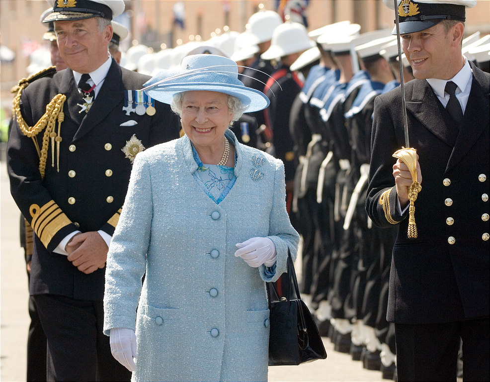 HM Queen at HMS Victory